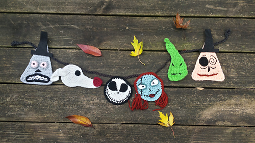 http://www.ravelry.com/patterns/library/nightmare-before-christmas-appliques