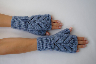 2__blue_fingerless_gloves_small2