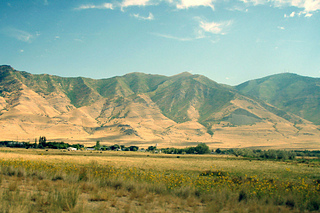 Oquirrh_mountains_2_small2
