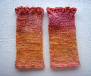 Finished_mitts_2_small2