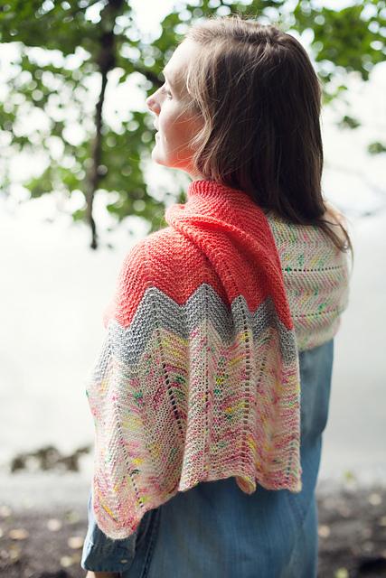 Châle tricoté Slow Shawl par Veera Välimäki