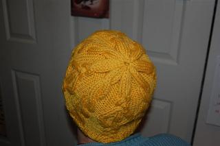 Yellow_diamond_hat_1_small2