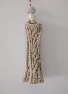 Hanging_pink_yarn_small2
