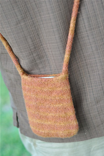 Iphone_purse_brown3_small2