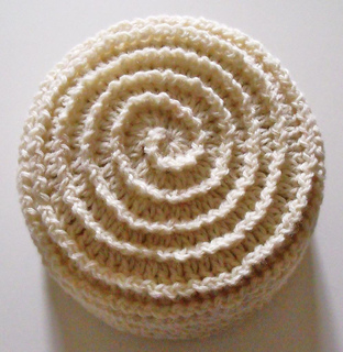 Barbara_summers_crochet_beehive_beanie_small2