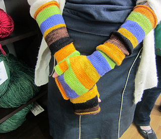 Chaos_theory_mitts__worn_small2