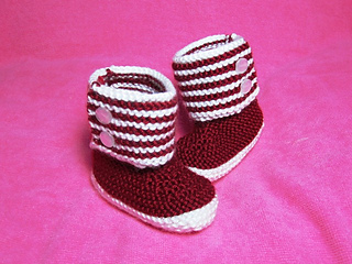 How_to_knit_boot_style_red_and_white_baby_booties_2_small2