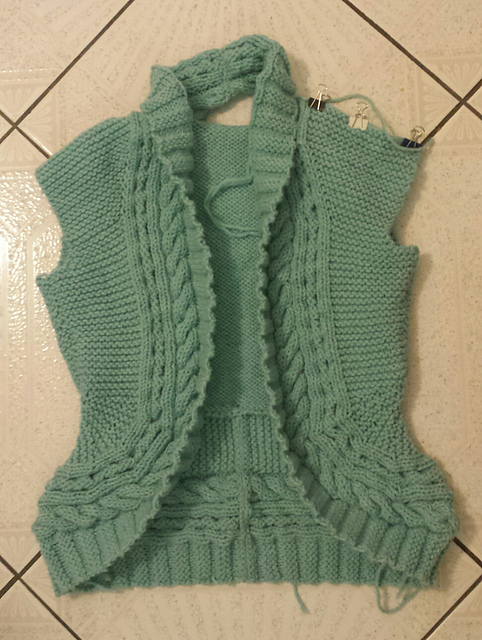 DD1's cosy cardigan, in progress