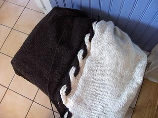 Black_white_blanket_medium_small2