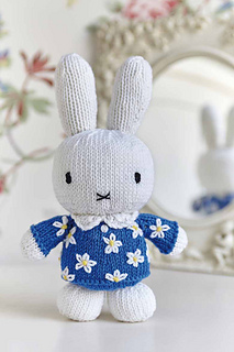 Free Easy Knitted Scarf Patterns : Ravelry: Its Miffy pattern by Louise Watling