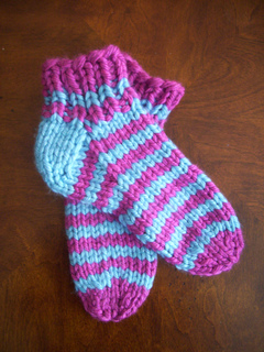Striped_bulky_slipper_socks_small2