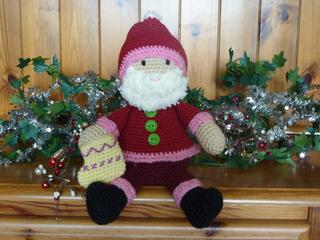 Santa_on_dresser__5__small2