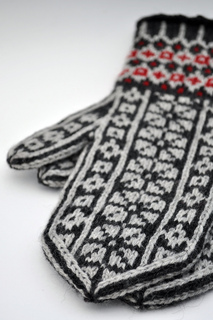 Holly_jean_mittens_lb_small2