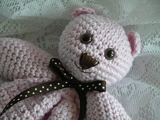 Lovey_bear_detail_small2