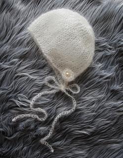 Lace_mohair_bonnet_pattern_small2