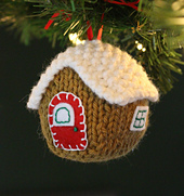 Gingerbread_house_w_lights_2_small_best_fit