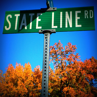 State_line_sign_2_small2