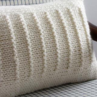 Line_pillow_11_better_small2