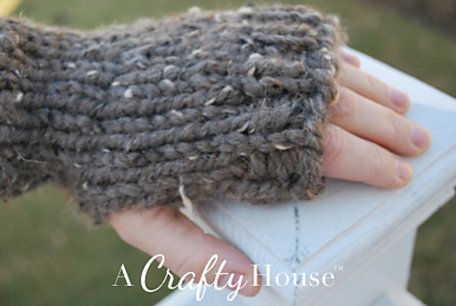 Ravelry Super Quick Easy Handwarmers Pattern By A Crafty House