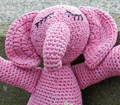 Pink_elephant_4_small