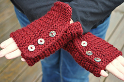 Tagish_mitts_1_small_best_fit