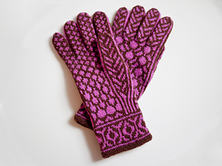 Redbud_gloves_pic3_small2