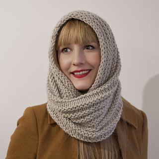 Caring_cowl_pic3_small2