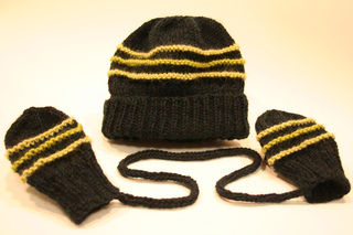 Hat_and_mitten_set_001_small2