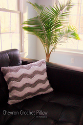 Chevron_crochet_pillow_small_best_fit