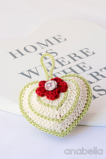 Ivory-and-green-crochet-heart-2_small2