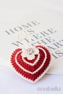 Red-ivory-crochet-heart-3_small2