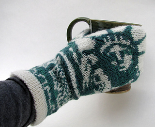 Right_nyc_mitten_on_small2