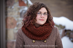 Fosetta_cowl_verdant_watermarked_small_best_fit
