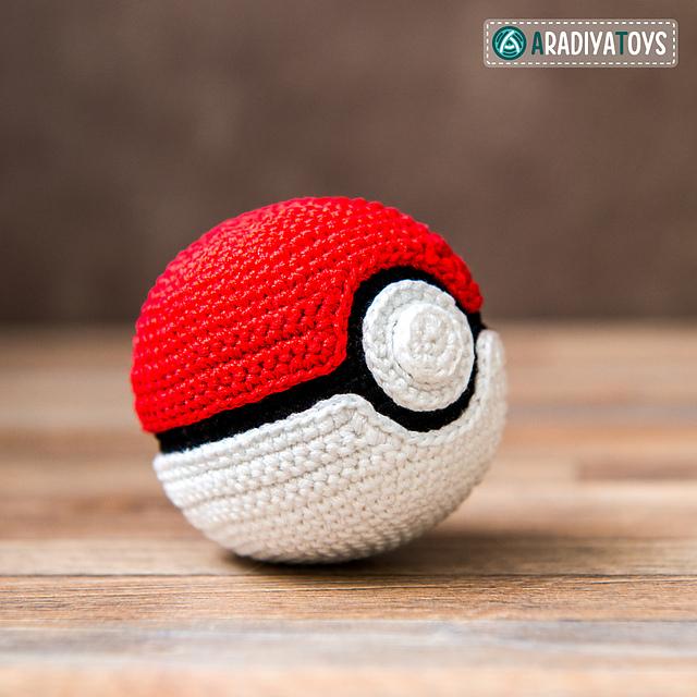 Ravelry Pokeball From Pokemon Pattern By Olka Novytska