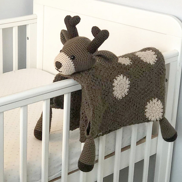 d79cc34628123 3 in 1 Woodland Deer Toy Security Baby Blanket pattern by Crafting Happiness