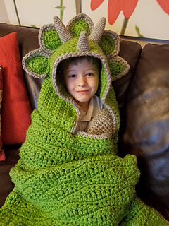 2 In 1 Hooded Triceratops Dinosaur Blanket Pattern By Ravelry