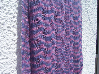 Tounges_of_fire_shawl_002_small2