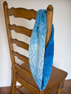 Blue_cowl_on_chair_small2