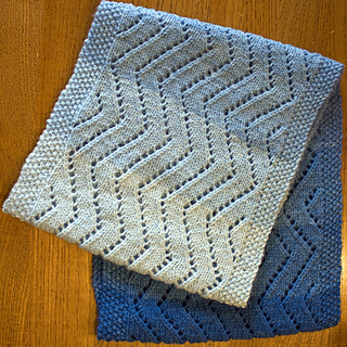 Blue_cowl_close_up_small2