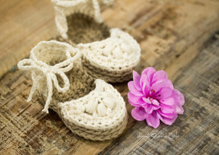 c49b308e345 Ravelry  Baby Espadrilles pattern by Hand Heart and Sole