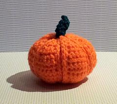 Crochet_pumpkin_segment_ball__3__small