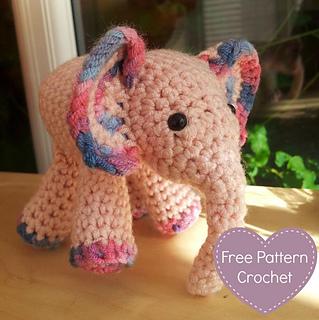 Mei_mei_crochet_elephant_featured_small2