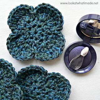 Simple_flower_face_scrubbie_pattern_small2