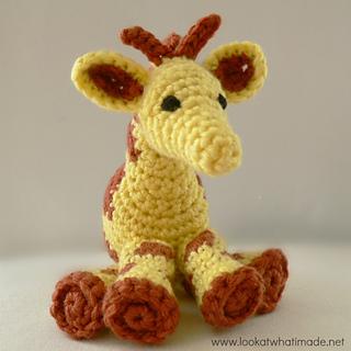 Little_zoo_giraffe_2_small2