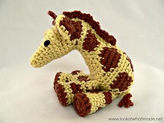 Little_zoo_giraffe_small2