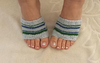 92ee26f97eaab patterns   Sandra Prikule s Ravelry Store.   Knit Flip Flop Socks