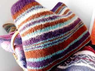 Purple_blue_brown_bag_felted_small2