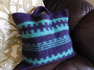 Blue_and_purple_felted_bag_small2