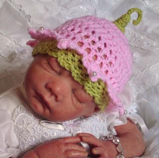 Beautiful_babys_bonnets_037_small2
