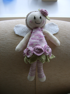 Rose_fairy_with_wings_small2